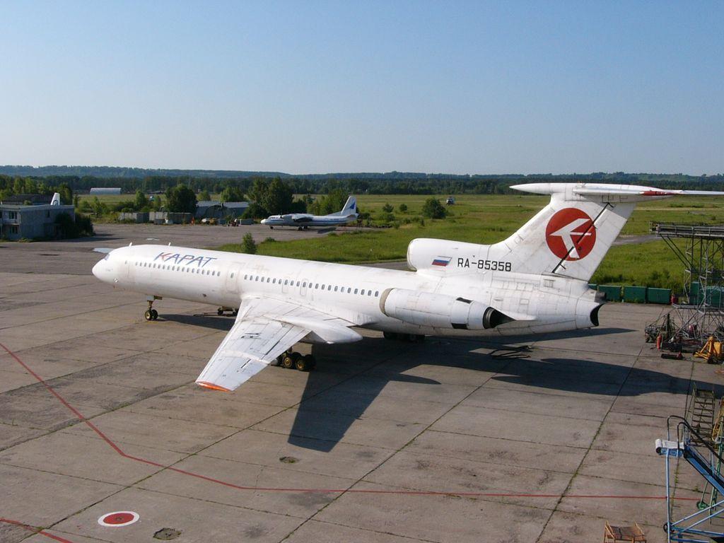 Ту-154Б-2 85358 Карат.jpg