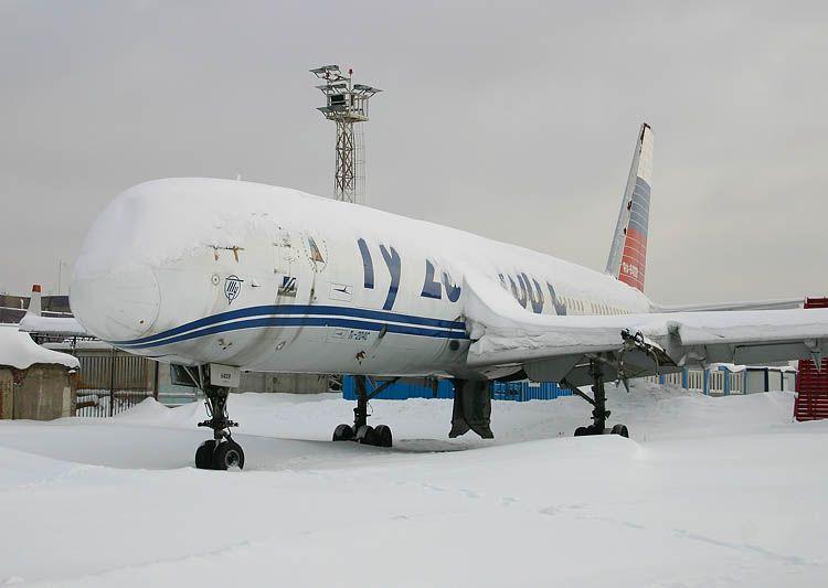Tu-204-100C_RA-64008.jpg