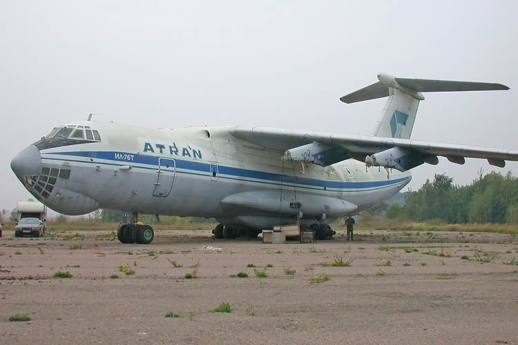 Il-76T_RA-76789_01.jpg