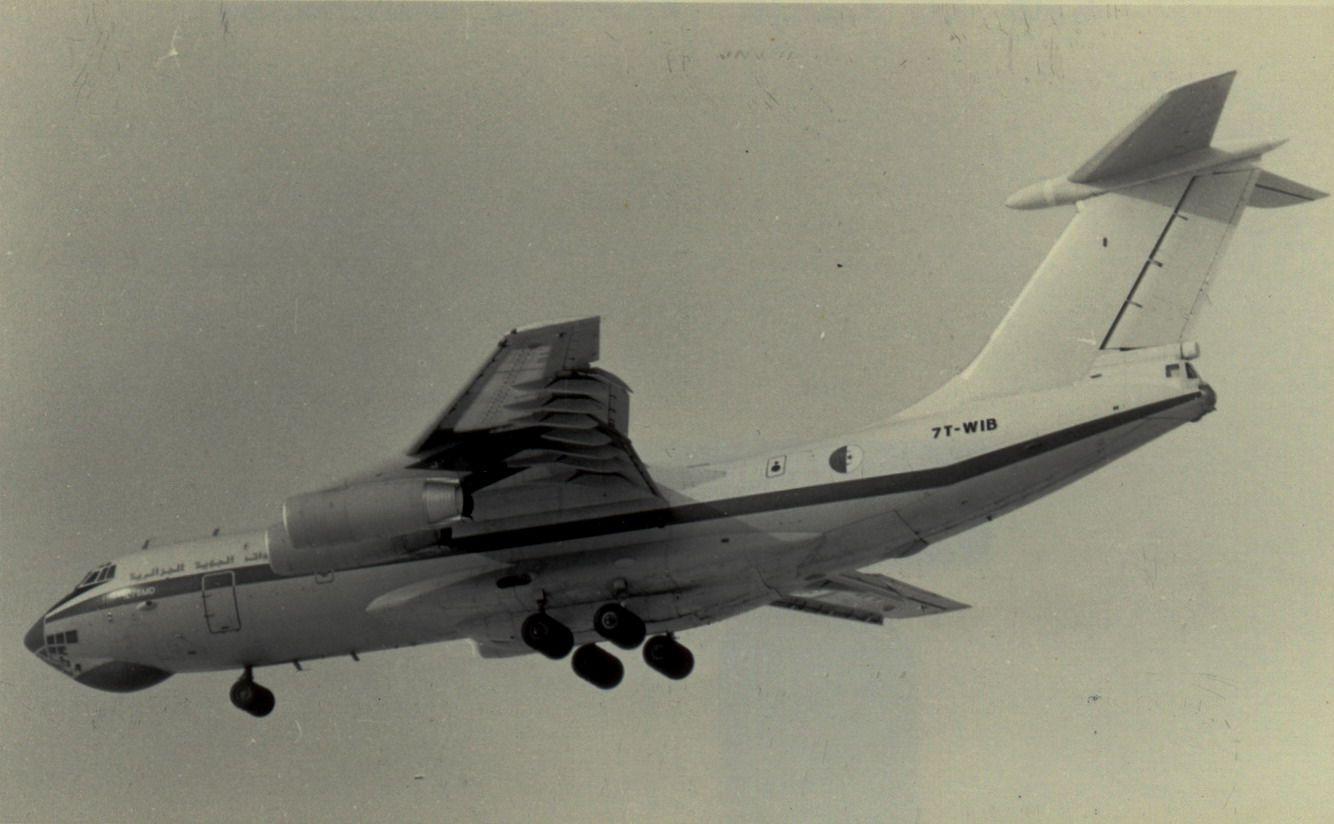 7T-WIB IL76 Algerian A.F. (1990, SVO).jpg