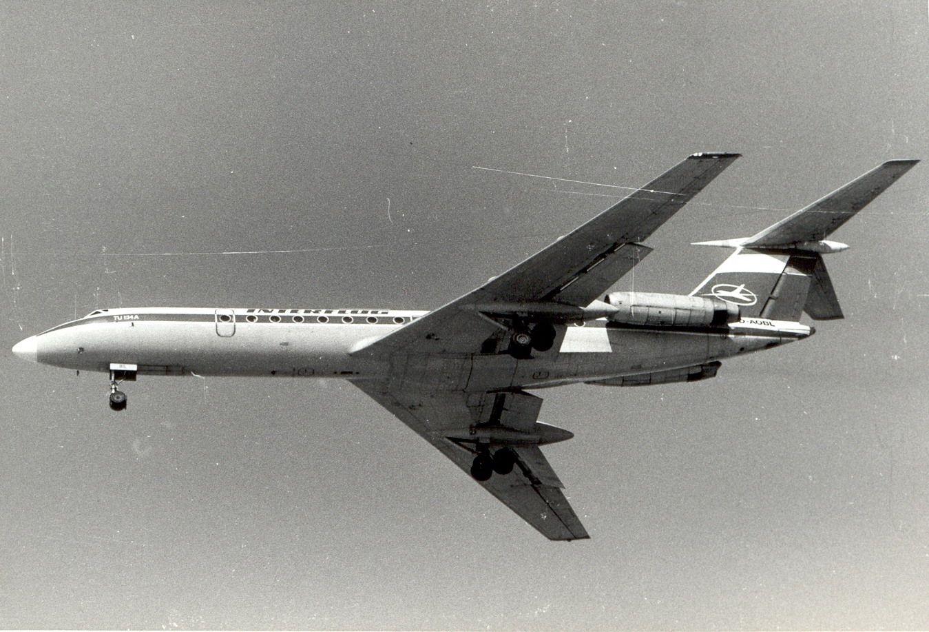 D-AOBL Tu134 Interflug (1990, SVO).jpg