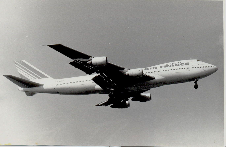 F-GCBH B747-228 Air France (1990, SVO).jpg