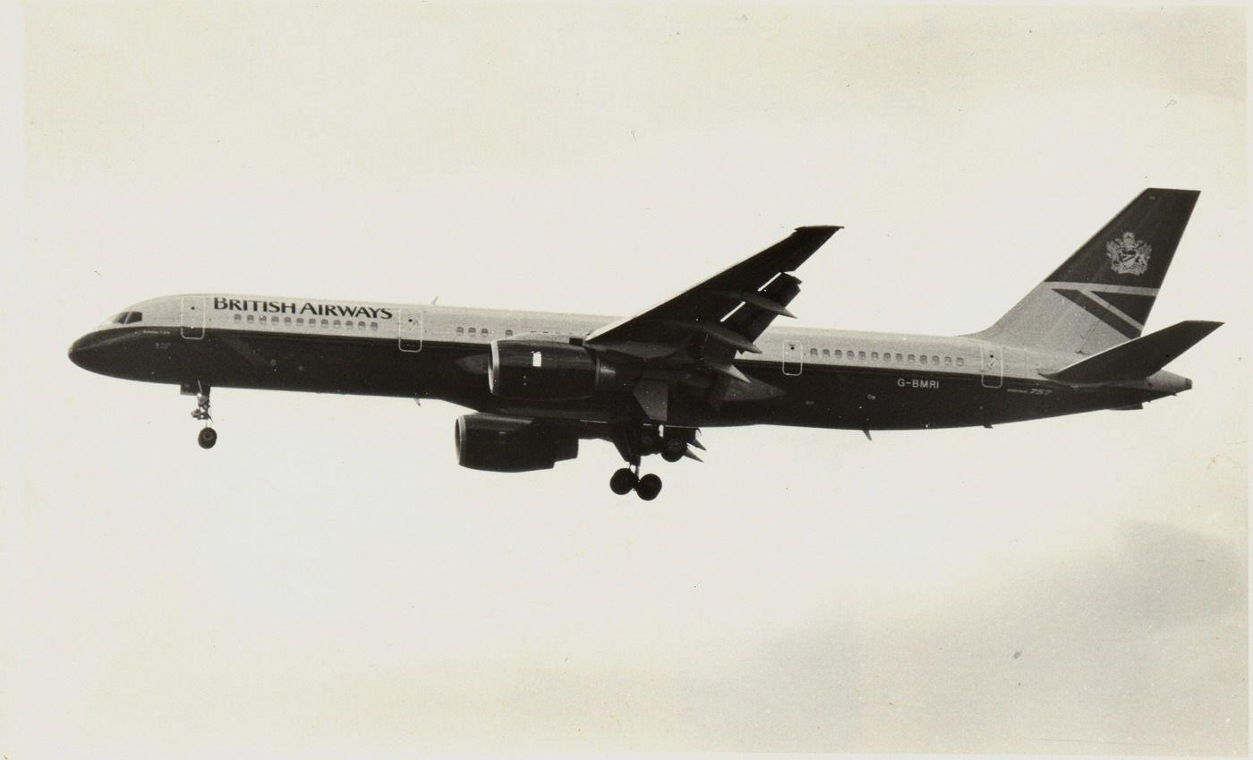 G-BMRI B757 -236 BAW (1990, SVO).jpg