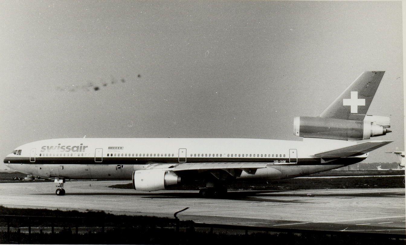 HB-IHM DC10-30 Swissair (1990, SVO).jpg