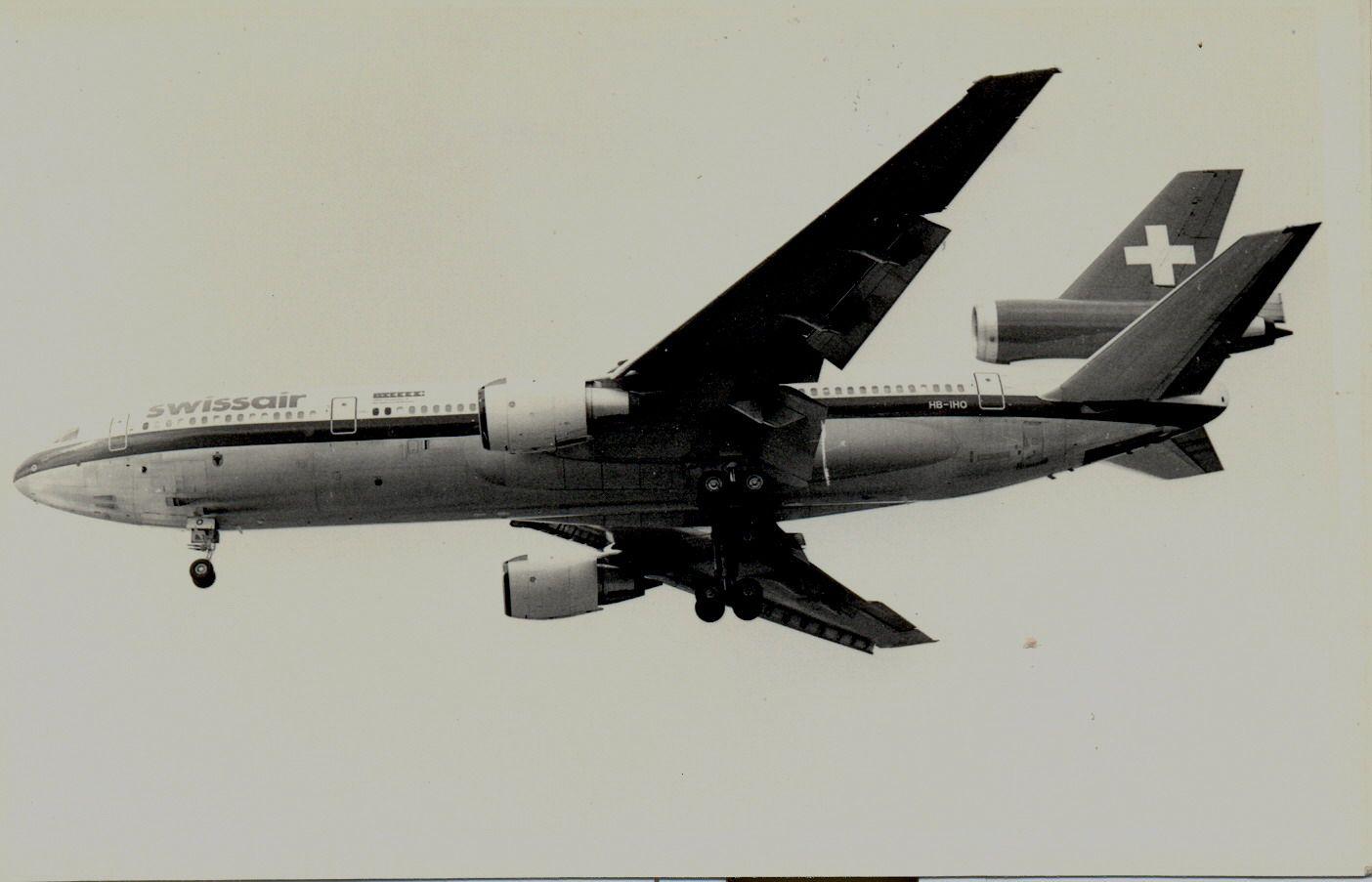 HB-IHO DC10-30 Swissair (1990, SVO).jpg
