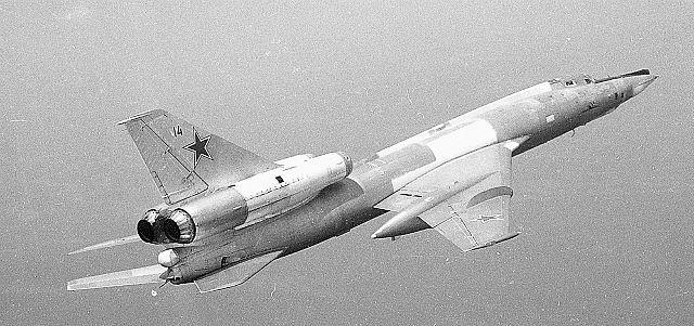 0260.Ту-22РД №14 без штанги.jpg